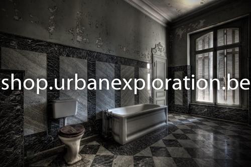 Chateau Lumière bathroom