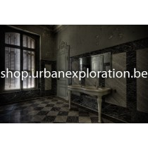 Chateau Lumière bathroom (Sink)