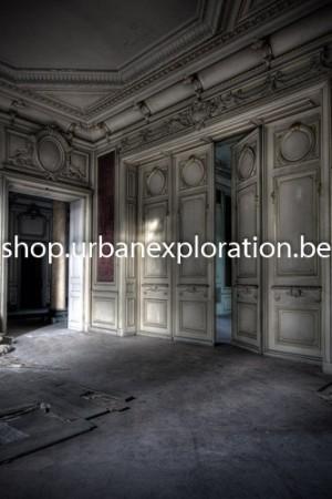 Chateau Lumière doors